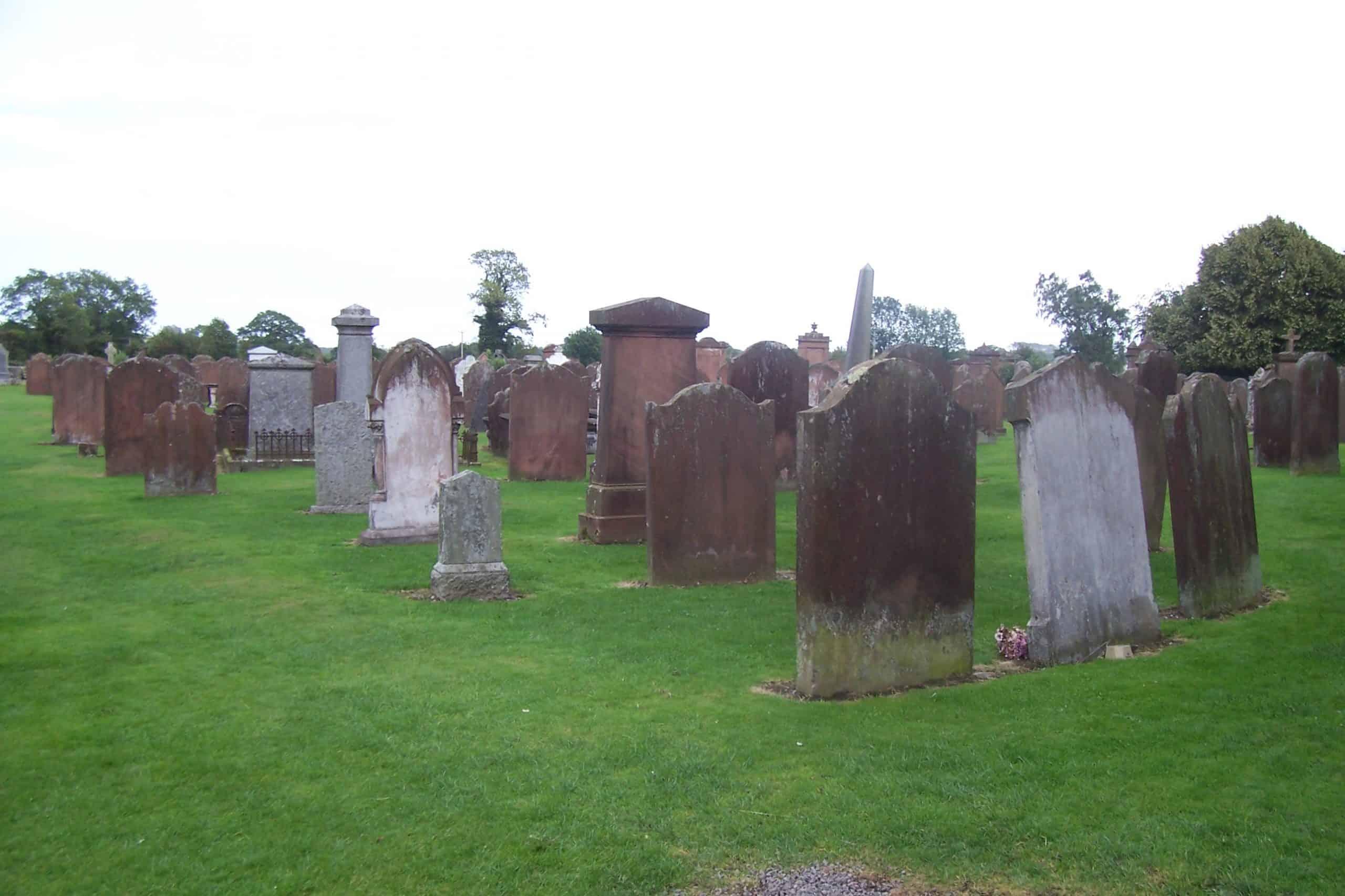 Tumbas en cementerio