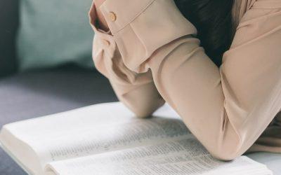 ¿Debemos orar unos por otros?